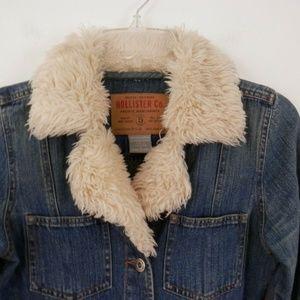 Hollister Small Faux Fur Collar Cotton Denim Jacke